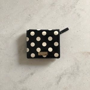 🌟Kate Spade Mini polka dot wallet.